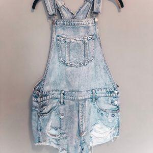 light wash denim overalls (short)
